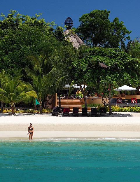 Paradee Resort