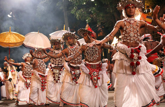 Speciale Esala Perahera e tour dello Sri Lanka
